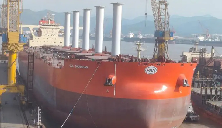 325.000 DWT kapasiteli gemiye rotor yelkenleri takıldı