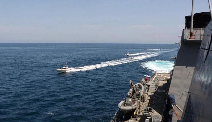 ABD, İran hücum botları ile yaşanan gerilimin görüntülerini paylaştı