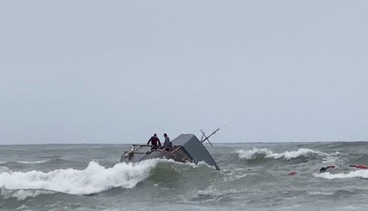ABD'de alabora olan gemideki 24 kişi kurtarıldı