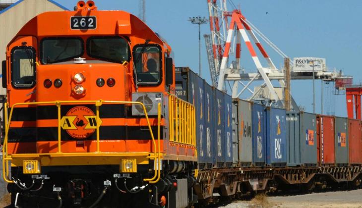 """""""Ağır ve dökme eşya taşımacılığında çok önemli olan demiryolu yatırımlarının hızla hayata geçirilmesi lazım"""""""