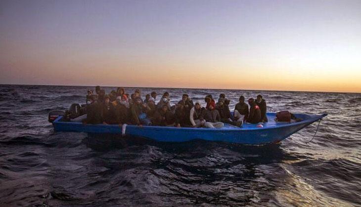 Akdeniz'de bir gecede 369 göçmen kurtarıldı