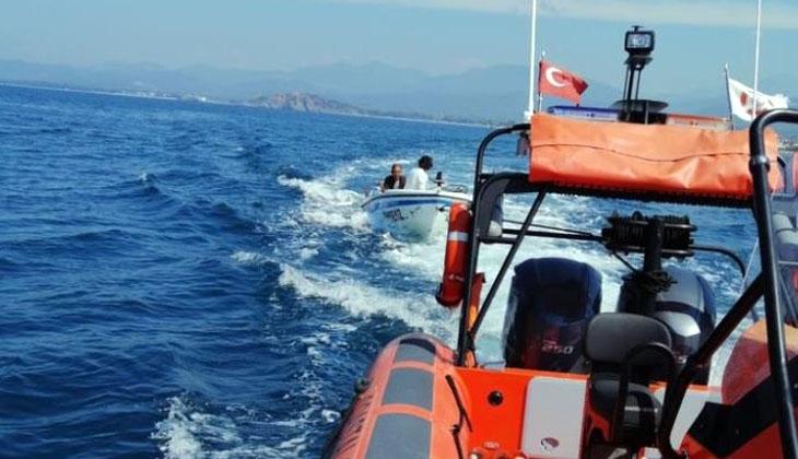 Arıza yapan teknede mahsur kalan 2 kişi kurtarıldı