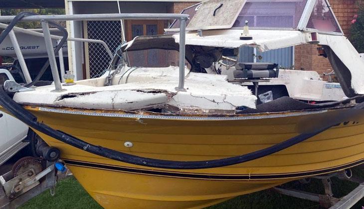 Avustralya'da bir teknede balık tutan ikiliyi balina ezdi