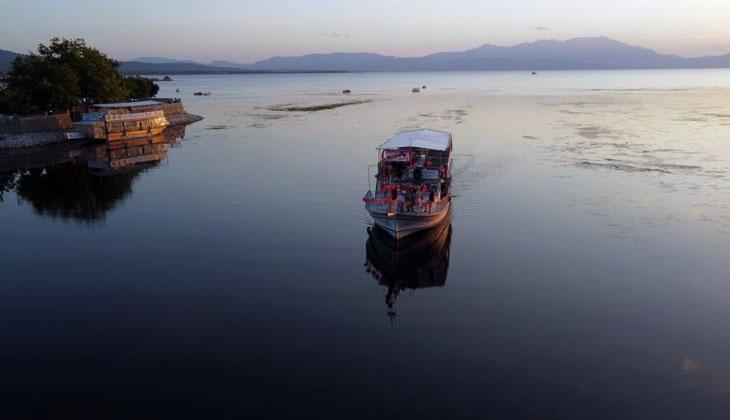 Beyşehir Gölü'nde su seviyesindeki azalma, yat işletmecilerini tedirgin ediyor