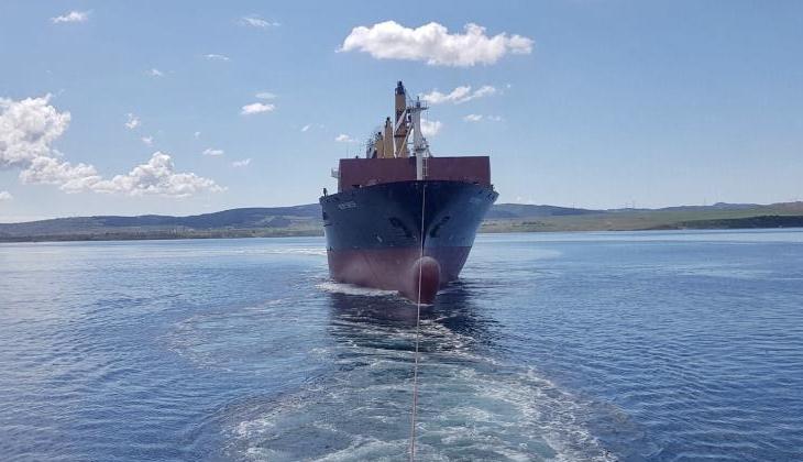 Çanakkale Boğazı'nda sürüklenen konteyner gemisi kurtarıldı