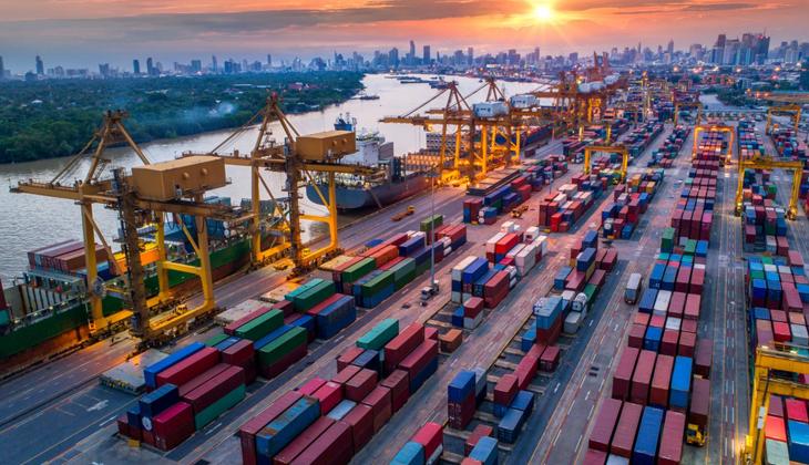 Çin'de Covid-19 vakalarındaki artışlar konteynerde yeni krize neden oldu