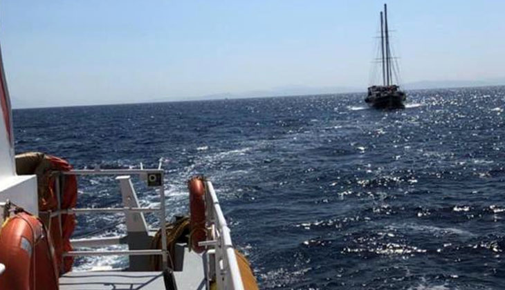 Datça açıklarında sürüklenen tekne Kıyı Emniyet tarafından kurtarıldı