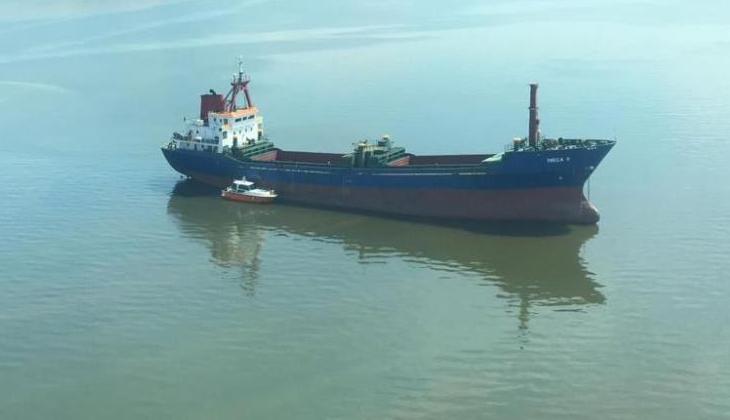 Deniz uçağı tespit etti! İzmit Körfezi'ni kirleten gemiye 1 milyon 301 bin TL ceza kesildi