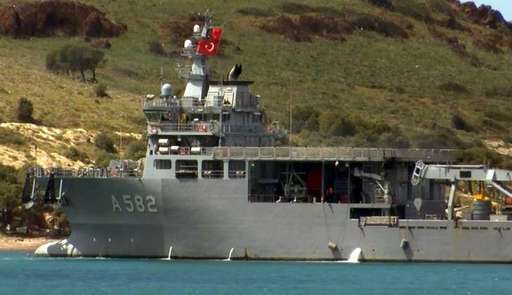 Düşen uçağın enkazı için arama-kurtarma gemisi Foça'ya ulaştı
