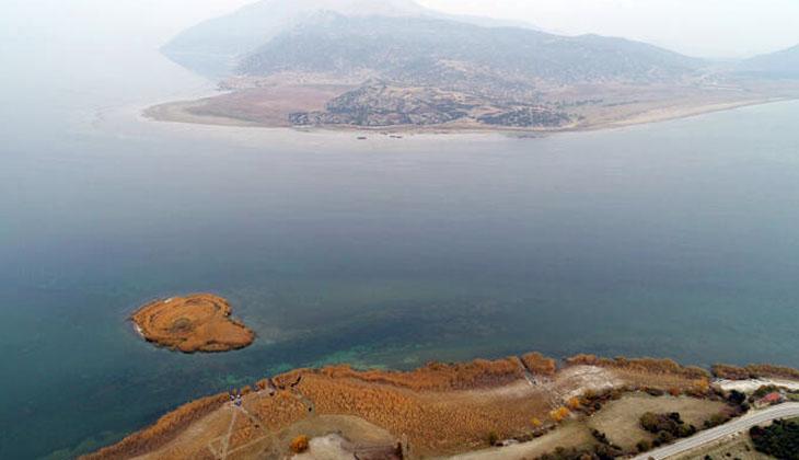 Eğirdir Gölü'nde denetim yapan ekiplere taciz ateşi açıldı