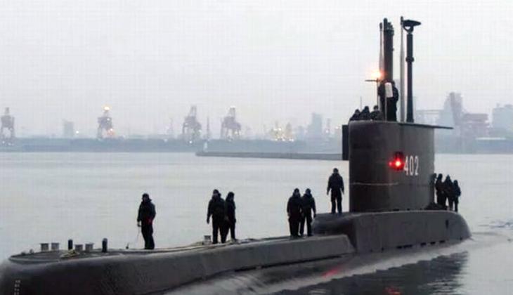 Endonezya'da açıklarında enkazı bulunan denizaltındaki 53 kişi hayatını kaybetti