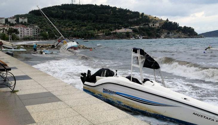 Erdek'te şiddetli lodos teknelere zarar verdi