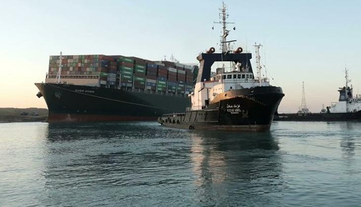 Ever Given gemisi ikinci kez kurtarıldı! Süveyş Kanalı deniz trafiğine açıldı
