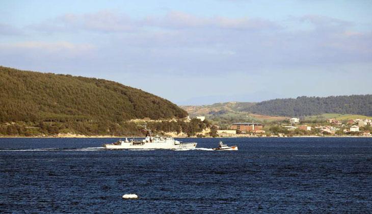 Fransız savaş gemisi Çanakkale Boğazı'ndan geçiş yaptı