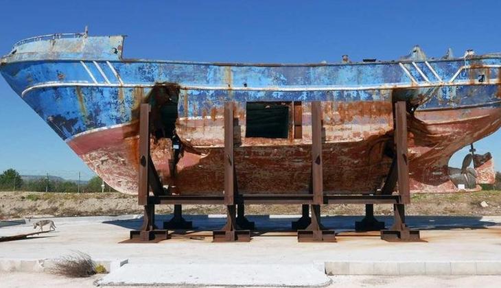 Göçmenlerin hayatını kaybettiği gemi anıt oluyor