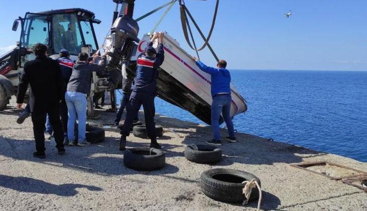 Gökçeada'da Astsubay Toykuyu'yu arama çalışmaları devam ederken, batan tekne kıyıya çıkarıldı