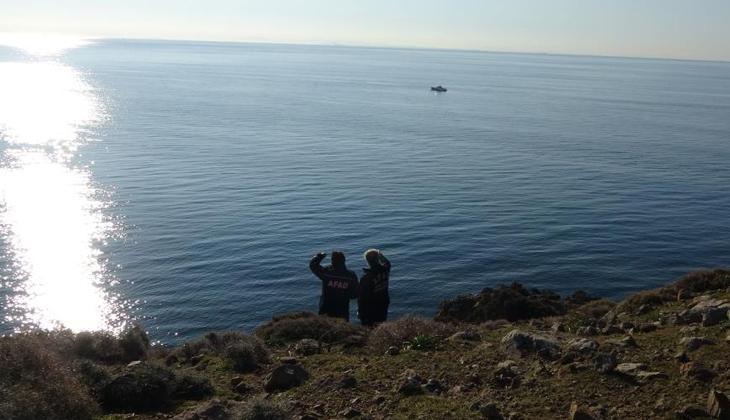 Gökçeada'da tekneleri alabora olan Astsubay Fatih Toykuyu'yu arama çalışmaları devam ediyor