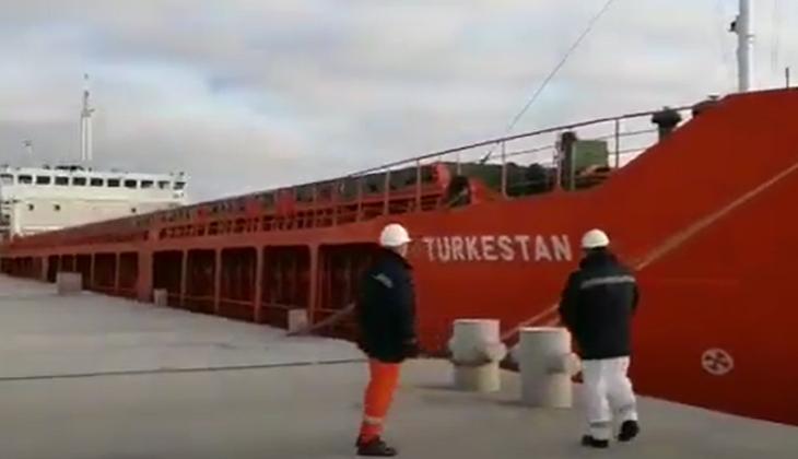 Hazar Denizi'nde gemi yangını!