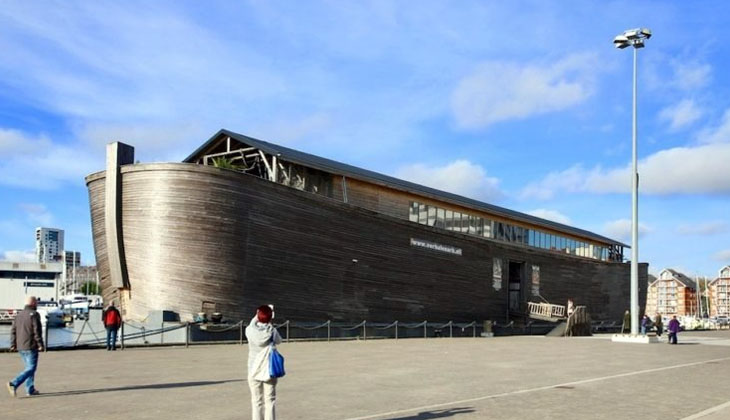 İngiltere'de tutuklanan Nuh'un Gemisi'nin replikası büyük ilgi görüyor