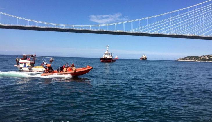 İstanbul Boğazı'nda bir gemi balıkçı teknesine çarptı!
