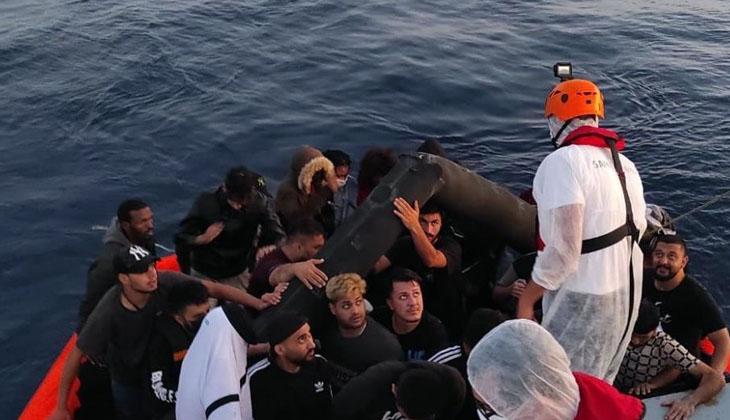 İzmir açıklarında çok sayıda düzensiz göçmen yakalandı