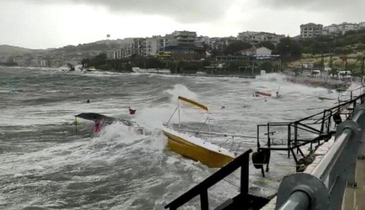 İzmir'de fırtına etkisini gösterdi