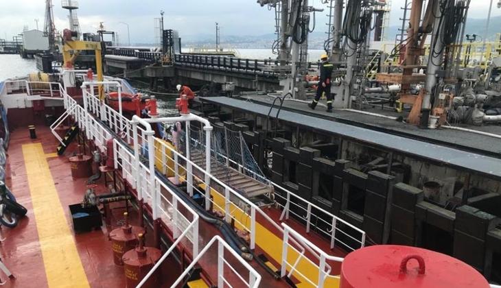 İzmit Körfezi'ni kirleten gemiye 530 bin TL ceza kesildi
