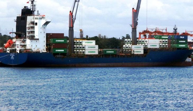 Kasırgaya yakalanan konteyner gemisinde 1 mürettebat hayatını kaybetti