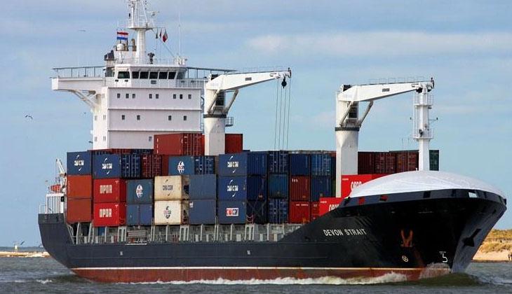 Konteyner gemisinden denize 10 ton yakıt sızdı!