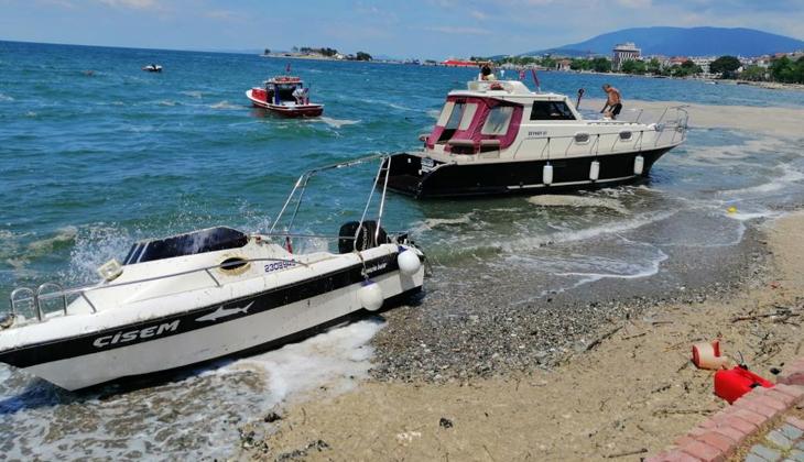 Lodos nedeniyle batma tehlikesi yaşayan tekneler kurtarıldı