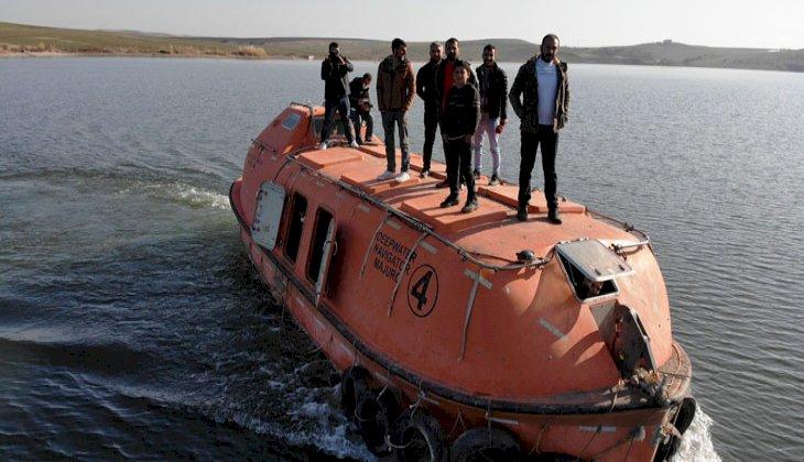 Denizi olmayan Diyarbakır'da denizaltı ile ulaşımı sağlıyorlar