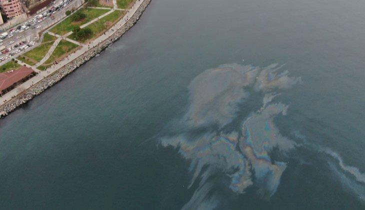 Marmara Denizi'nde dev petrol sızıntısı görüntülendi