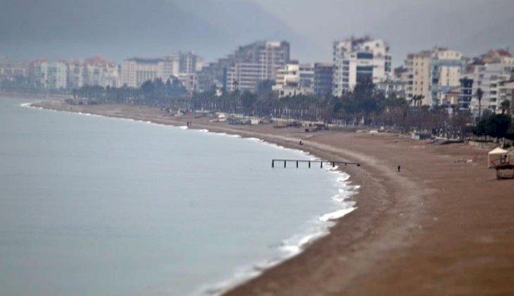 Antalya'da deniz suyu, hava sıcaklığının iki katına çıktı