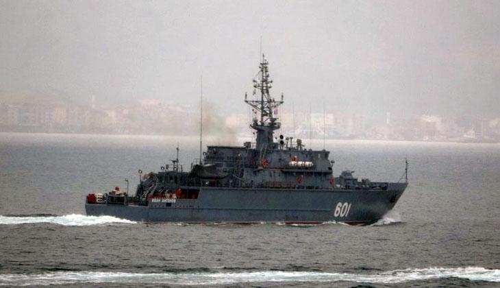 Rus mayın tarama gemisi 'Ivan Antonov' Çanakkale Boğazı'ndan geçti