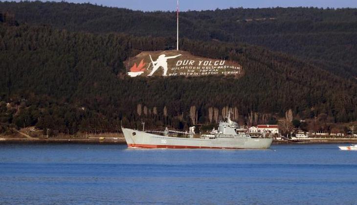 Rusya Donanmasına ait savaş gemisi 'Saratov' Çanakkale Boğazı'ndan geçti