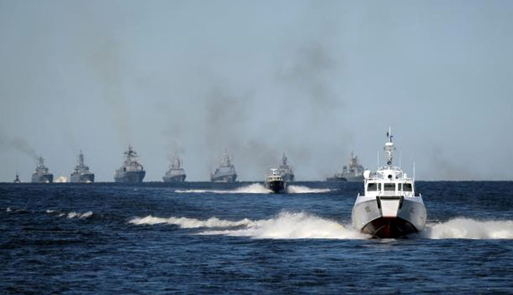 Rusya'dan İngiliz savaş gemisine uyarı ateşi!