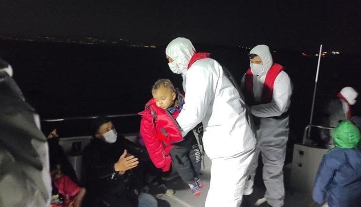 Sahil Güvenlik ekipleri, Çeşme açıklarında 23 düzensiz göçmeni yakaladı