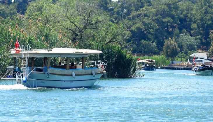 Sezonu gecikmeli açan tekneciler turistleri bekliyor
