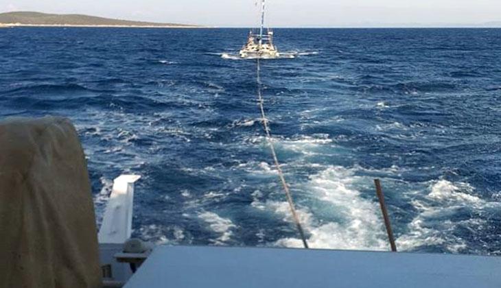 Su alıp sürüklenen tekneyi Kıyı Emniyeti ekipleri kurtardı