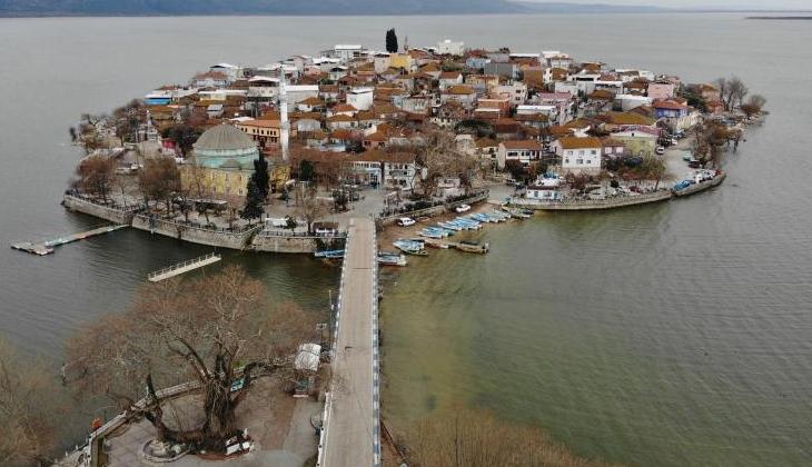 Sular yükselince tarihi köy yine adaya dönüştü