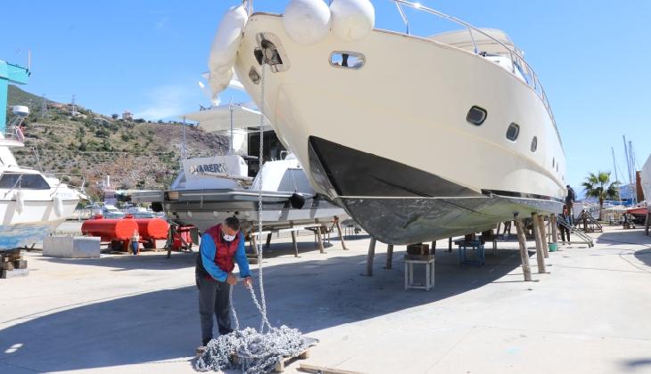 Tekneler turizm sezonuna hazırlanıyor
