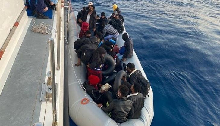 Türk kara sularına geri itilen 31 düzensiz göçmeni Sahil Güvenlik ekipleri kurtardı