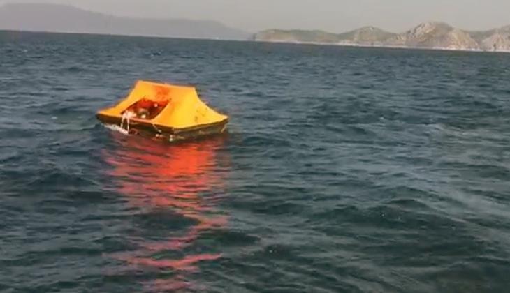 Türk karasularına itilen 12 göçmeni Sahil Güvenlik ekipleri kurtardı