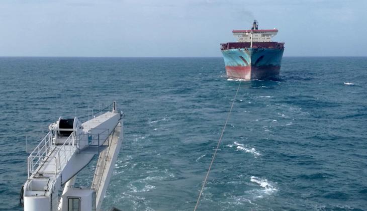 Türkeli Feneri açıklarında sürüklenen dev gemiyi NENE HATUN kurtardı