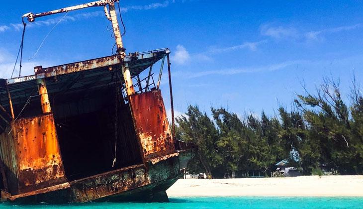 Turks ve Caicos Adaları açıklarında sürüklenen tekneden 20 ceset çıktı