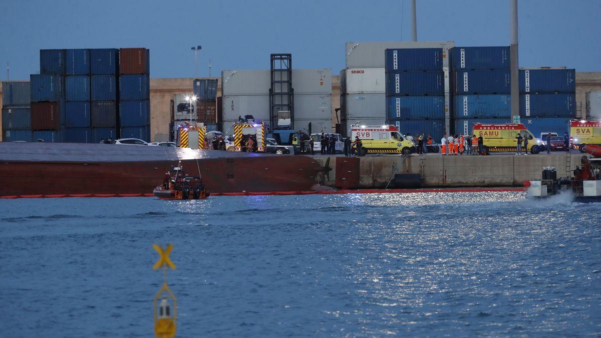 Nazmiye Ana gemisi, Castellon Limanı'nda alabora oldu! 2 Ölü... - Türk  Deniz Medya