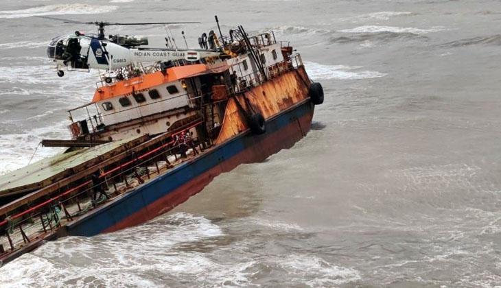 Genel kargo gemisi karaya oturdu! Mürettebat helikopter ile kurtarıldı